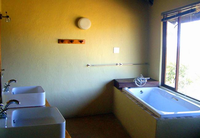 Waterhole 2 Bedroom Suite