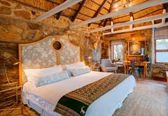 Moontide Guest Lodge