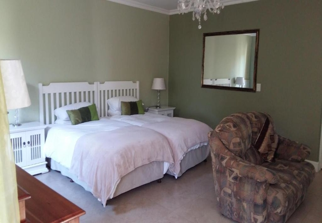 Delux Double or Twin with Garden Views 3