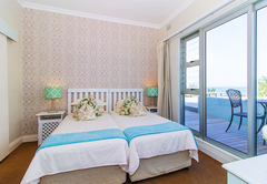 Triple Suite with Partial Sea View