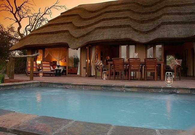 Luxury Family Villa Pool