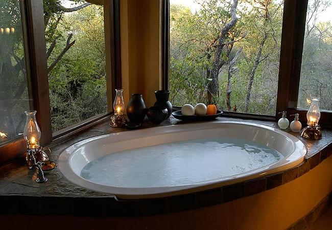 Bush Villa bath