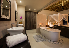 Moya Safari Villa