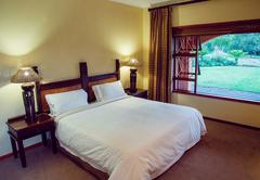 Mpongo Huberta lodge - Standard Room