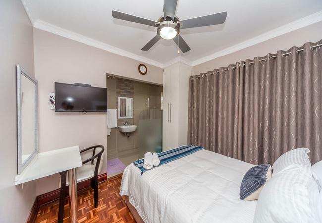 Queen Room en-suite