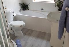 Dassie Den bathroom