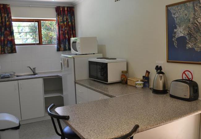Dassie Den kitchen