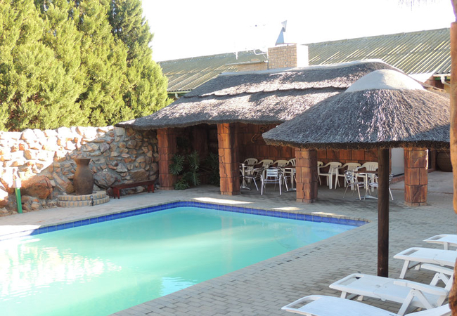 Oasis Country Lodge