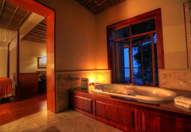 Lodge Suite - Bath
