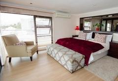 Honeymoon Deluxe Suite