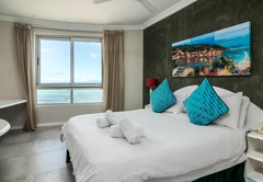 One Bedroom Suite Sea-facing