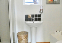 Boma 1 Bathroom