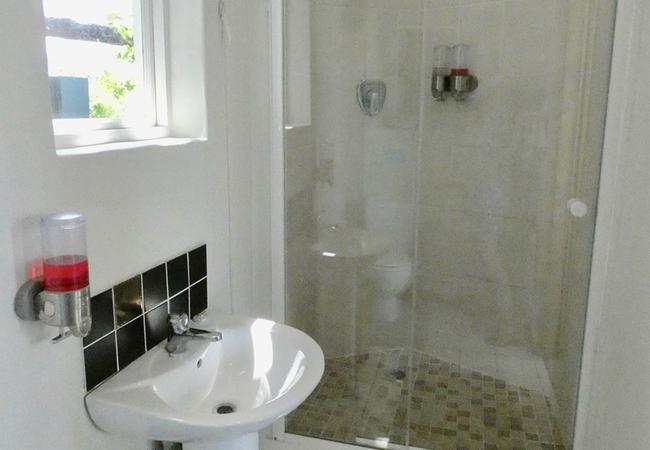Boma 2 Bathroom