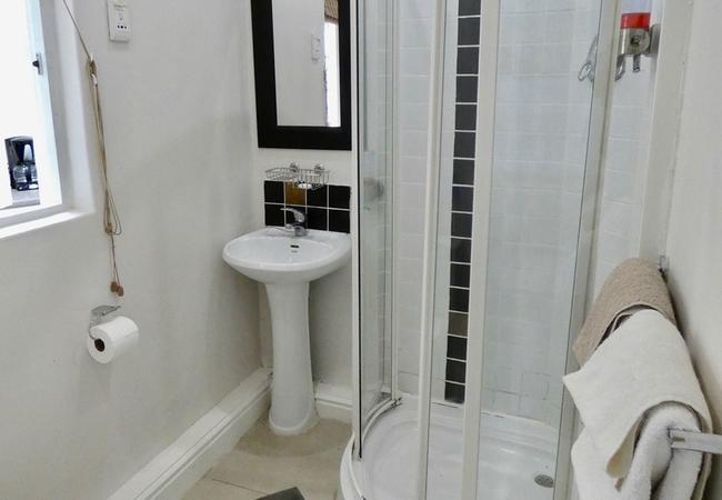 Boma 3 Bathroom
