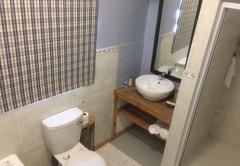 Honeybee Bathroom