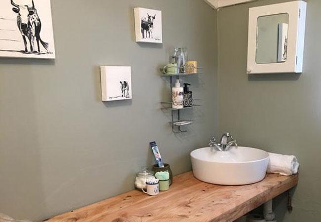 Dairy Cottage Bathroom