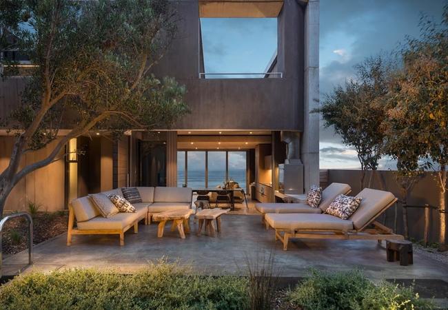 Luxury Beach Front Suite 2
