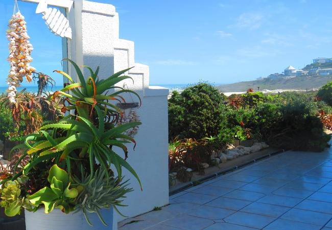 Marilyn unit shower