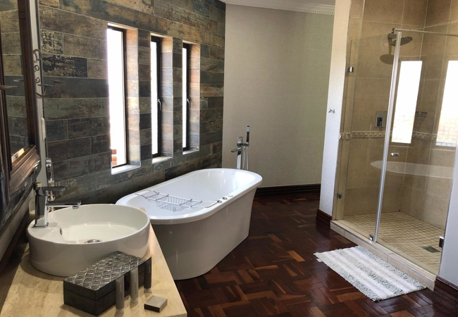 Presidential Suite with Jaccuzi