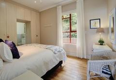 JAN SE PLEK One-Bedroom Apartment - Second Level