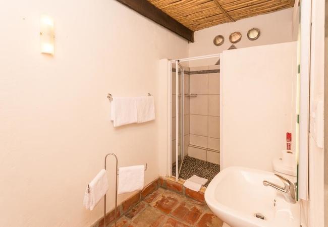 Twin Bed Room 11 Bath