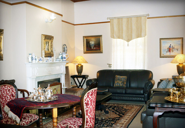 Guest living area