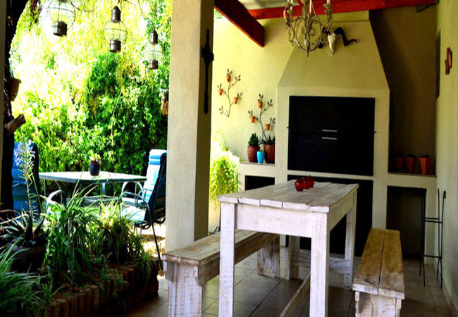 Garden Cottage patio