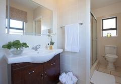 Kiepersol bathroom