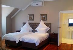 Cottage Comfort/ Room 14