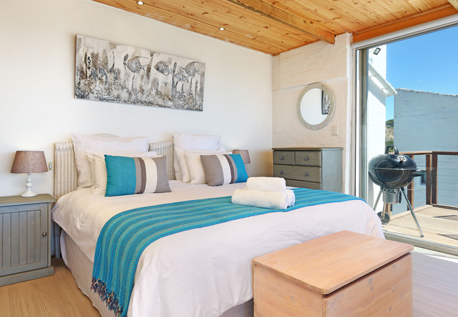 Panoramic Studio Apartment with Sea View