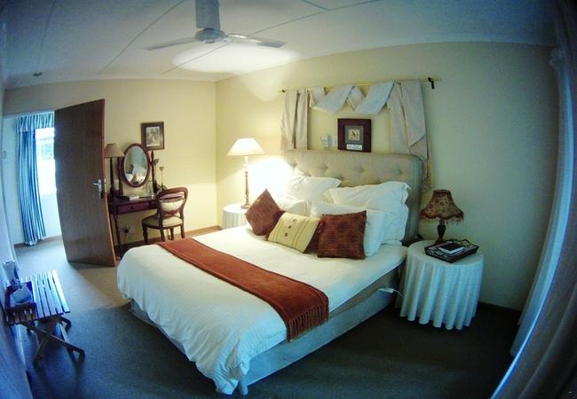 Double Room Queen