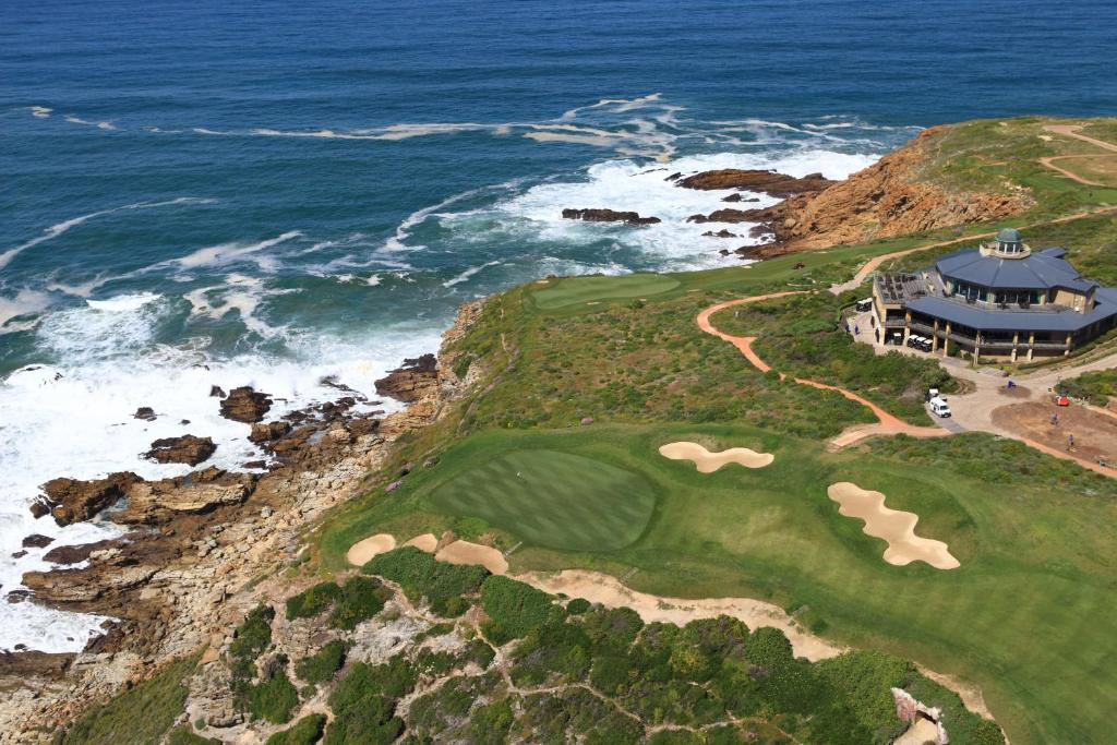 Map and Directions to Pinnacle Point Beach and Golf Resort