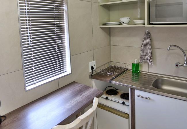 Room 7 kitchenette