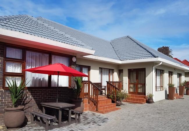 Pollok Guest Lodge