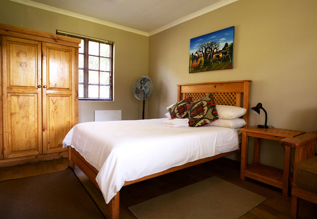 Ground floor en-suite hotel rooms - Air-conditioned