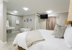 Twin / King Suites