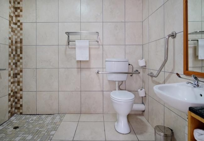 Universally Accessible Bathroom