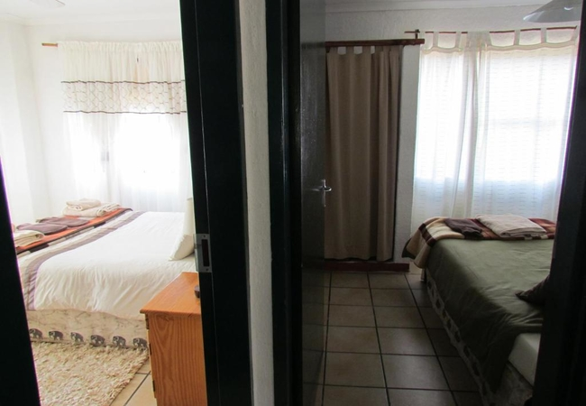 4 Sleeper unit with bath and shower