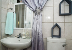 Bathroom Room 2