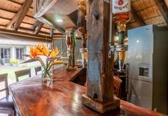 Re a Lora Lodge
