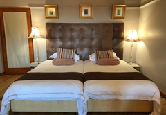 Room 4 - Family Suite