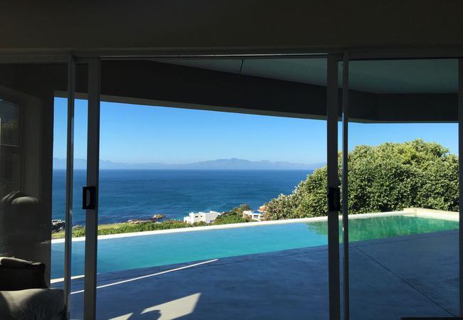 Deluxe Queen Suite with Sea View