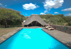 Rhino River Lodge