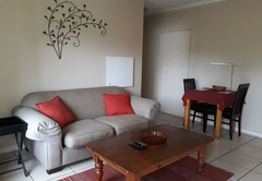 One Bedroom De Luxe Unit A