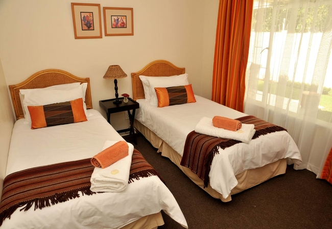 One Bedroom De Luxe Unit B