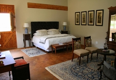 Superior Deluxe King / Twin Room