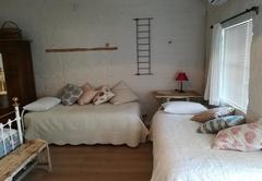 Swaeltjie (Swallow) Room