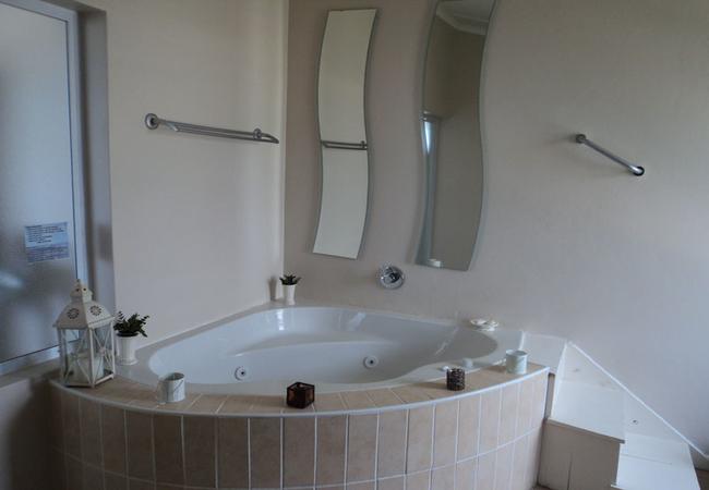 Spa bath honeymoon suite