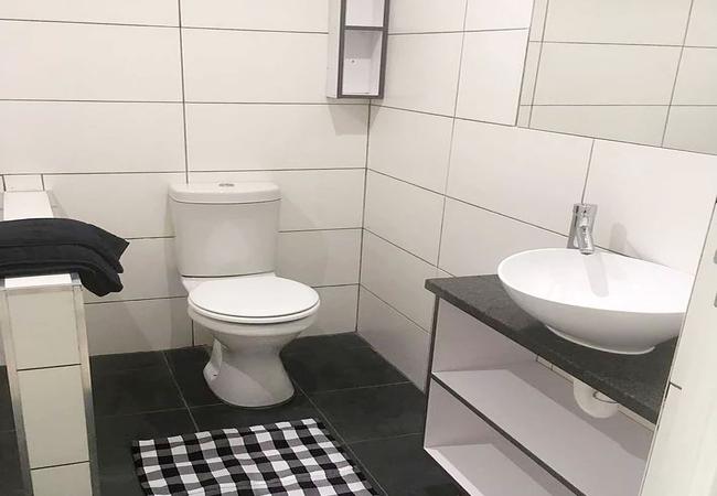 Double Room en-suite bathroom