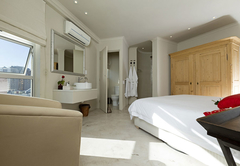 Rouge on Rose Boutique Hotel